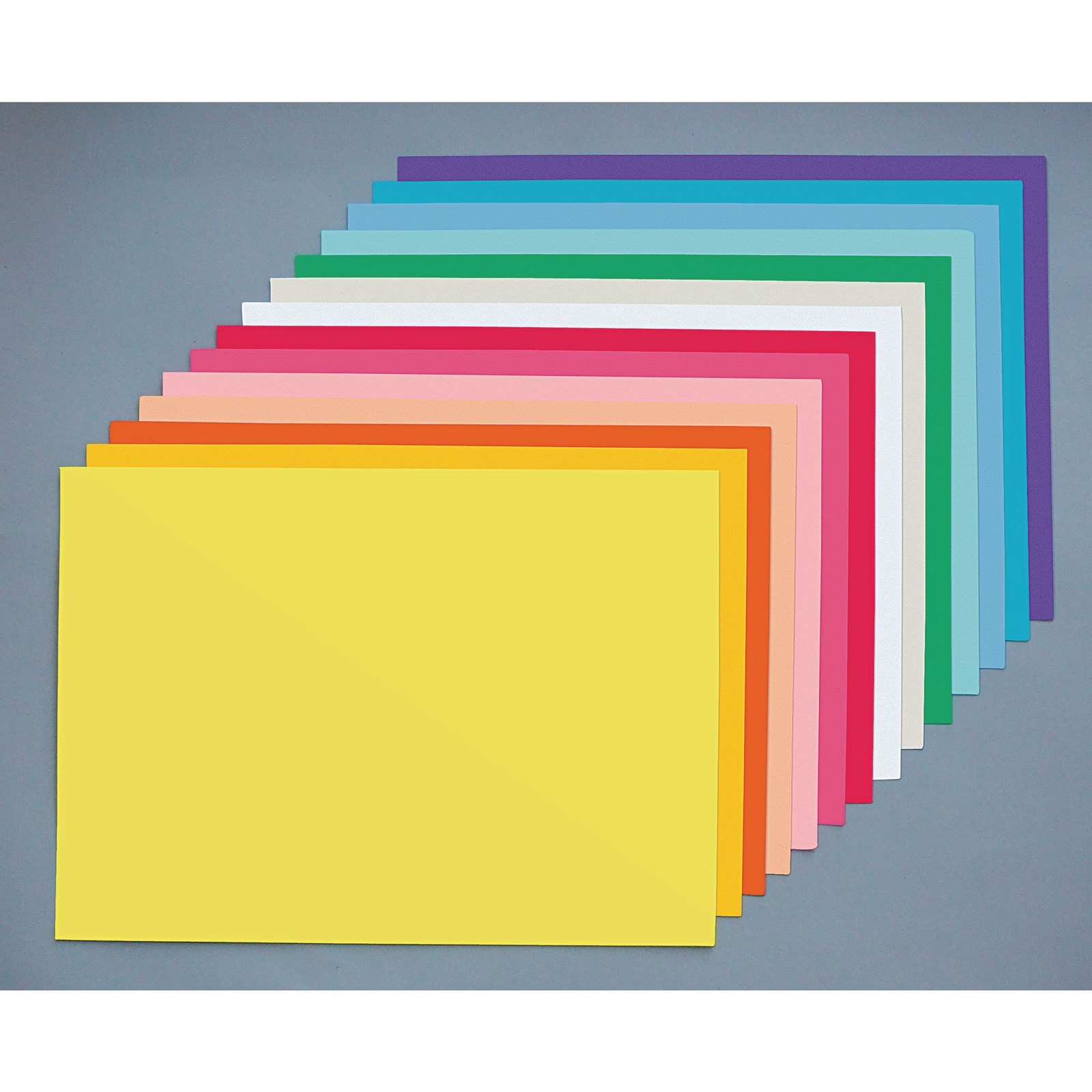 Vanguard 520 x 640mm Coloured Card - Red