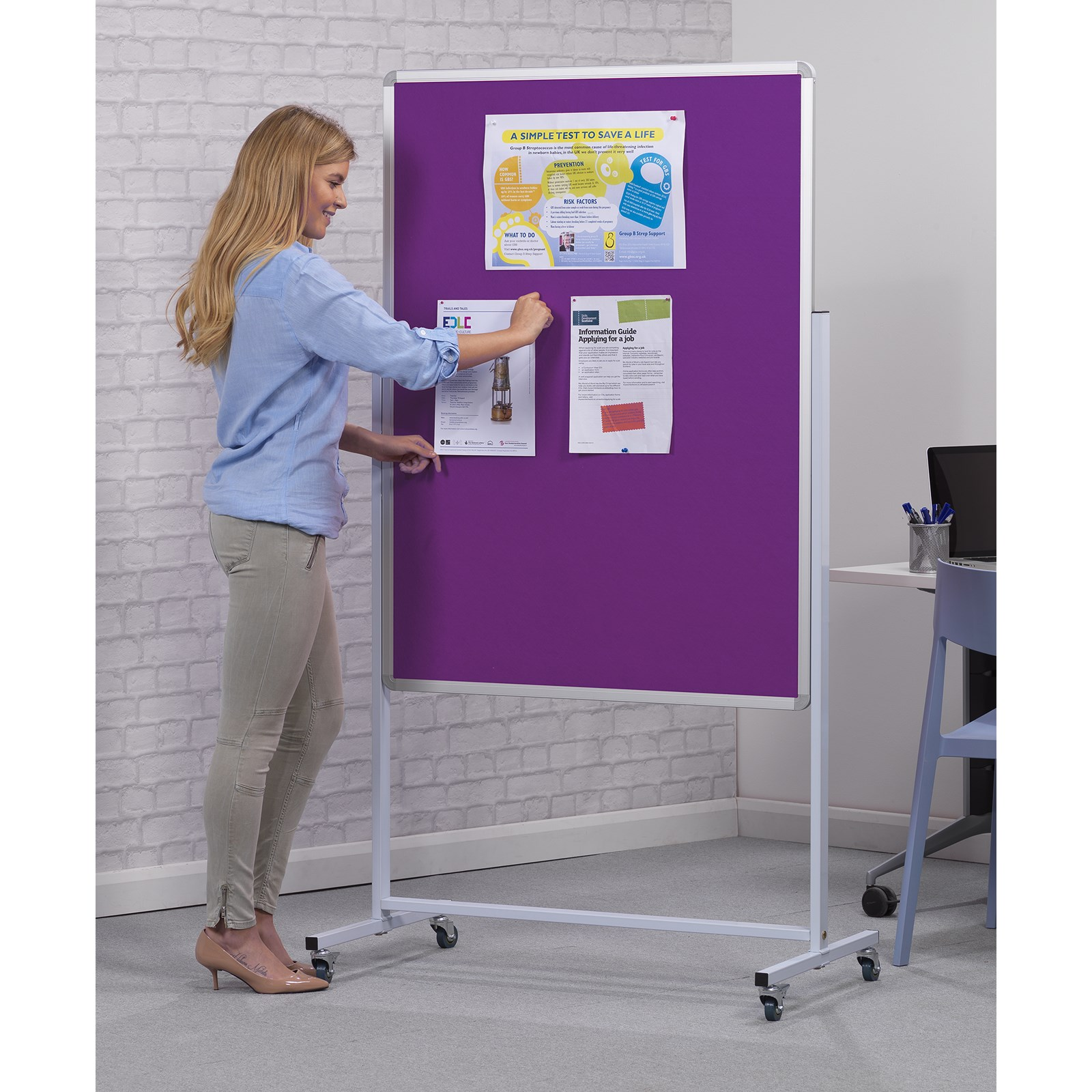 Accents Mobile Noticeboard - Light Green 12x15