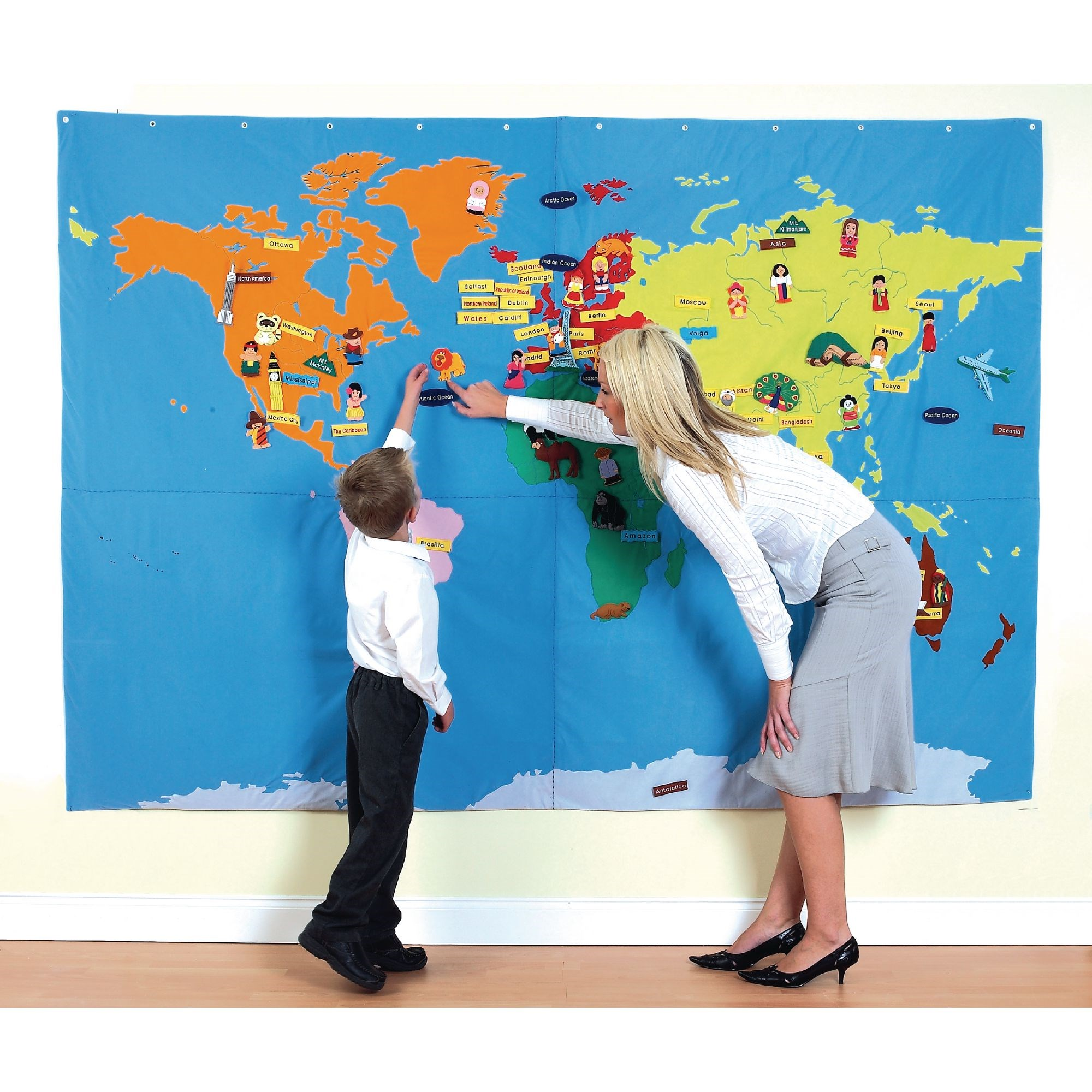 Cloth Wall Map - World 196 Motifs